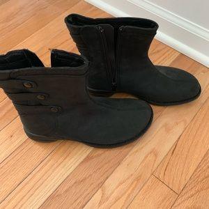 Merrell 6 1/2 medium insulated boots!